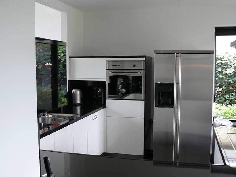Keuken Zwart Wit : Zwart wit keuken – Mijn Keukens op Maat laten maken