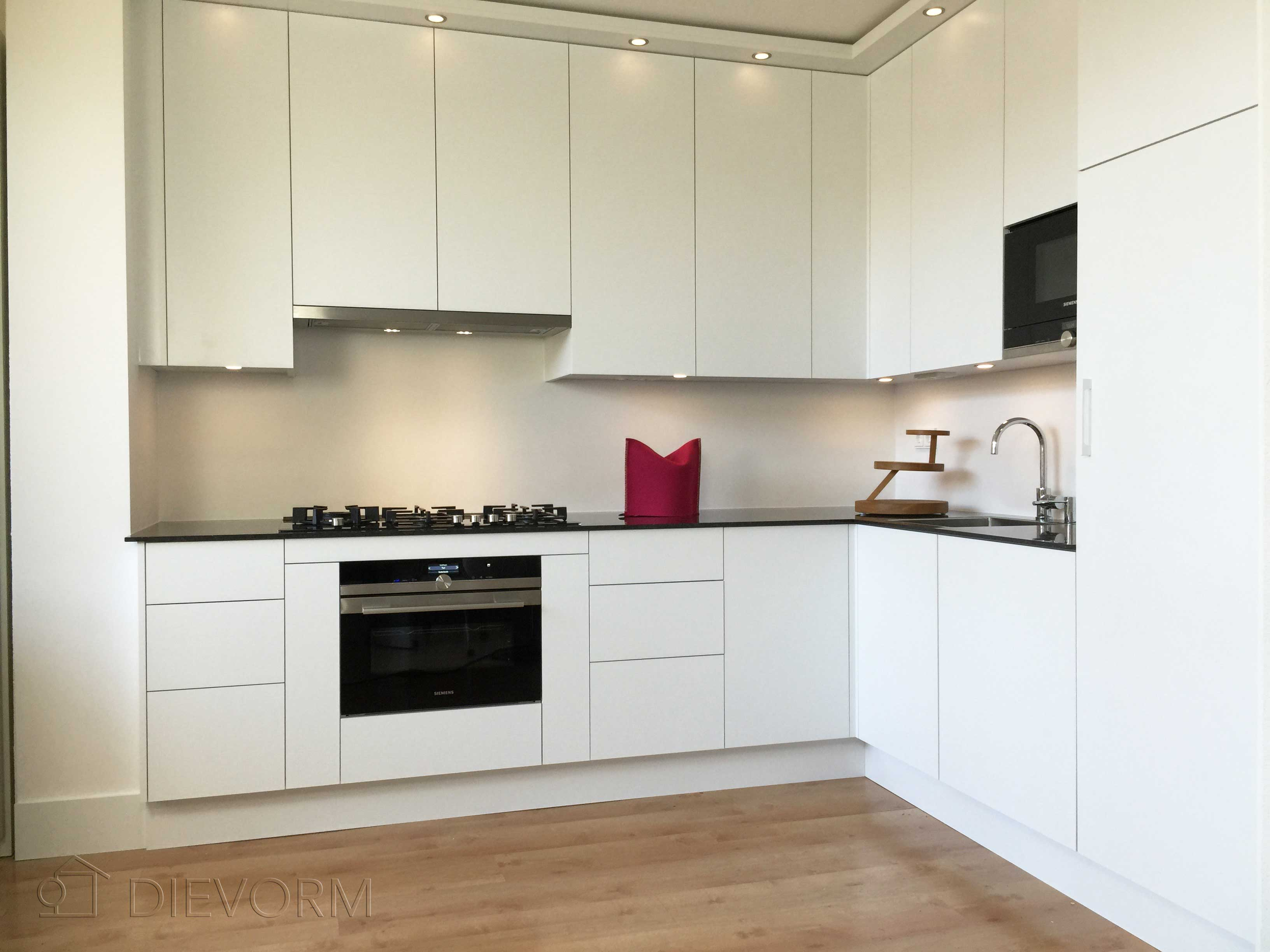 Design hoek keukens   mijn keukens op maat laten maken
